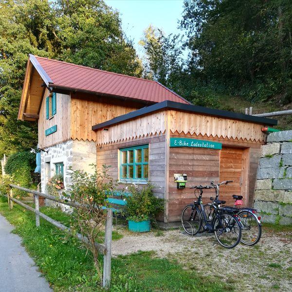 Eiskeller Tauer am Dreiburgensee - Landhaus Paula