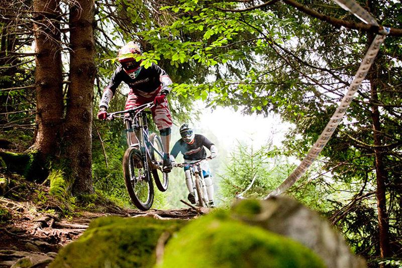Downhill im Bikepark Todtnau