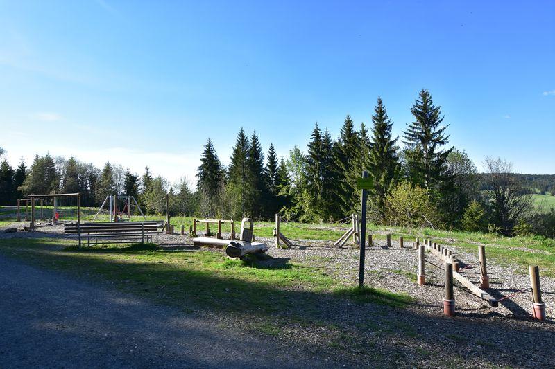 Spielplatz beim Sinnes- und Walderlebnispfad Horneradsch