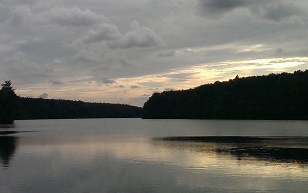 Nächtliche Stimmung am Trebuser See, Foto: FRED & OTTO