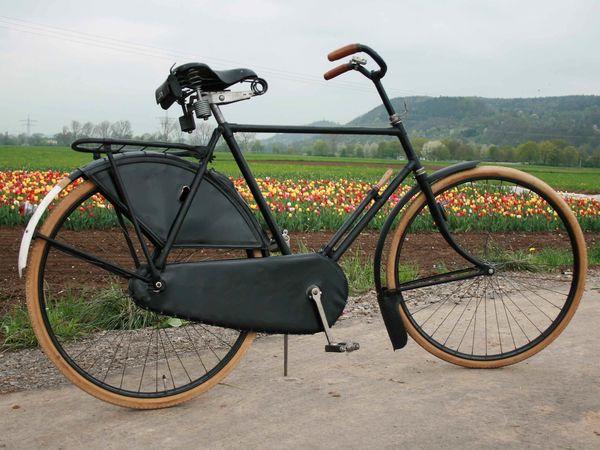Interessante Fahrräder im Museum