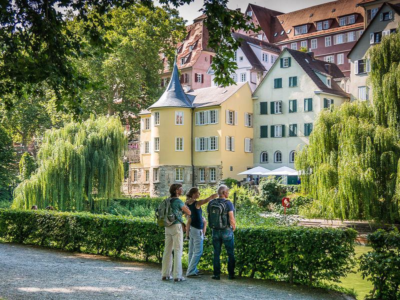 Hölderlinturm an der Neckarfront