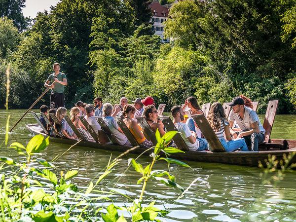Stocherkahnvergnügen auf dem Neckar