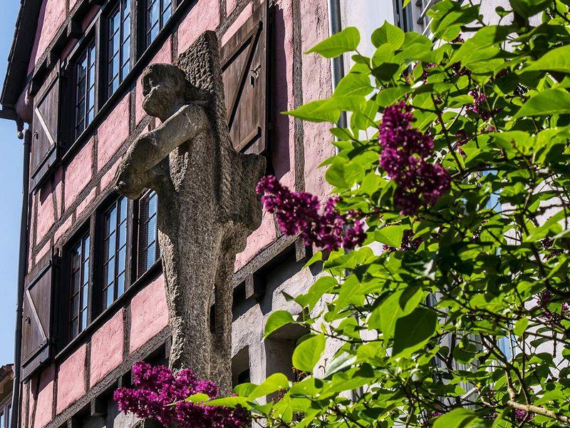 Weinbauern-Figur von Ugge Bärtle