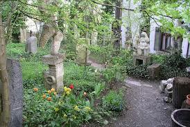Im Garten des Ugge-Bärtle-Hauses