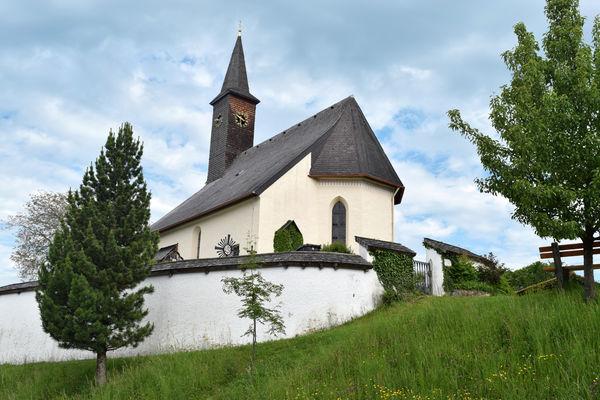 Kirche St. Peter und Paul auf dem Westerbuchberg