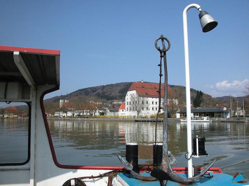 Die Fähre über die Donau bei Obernzell in den Donau-Perlen im Passauer Land
