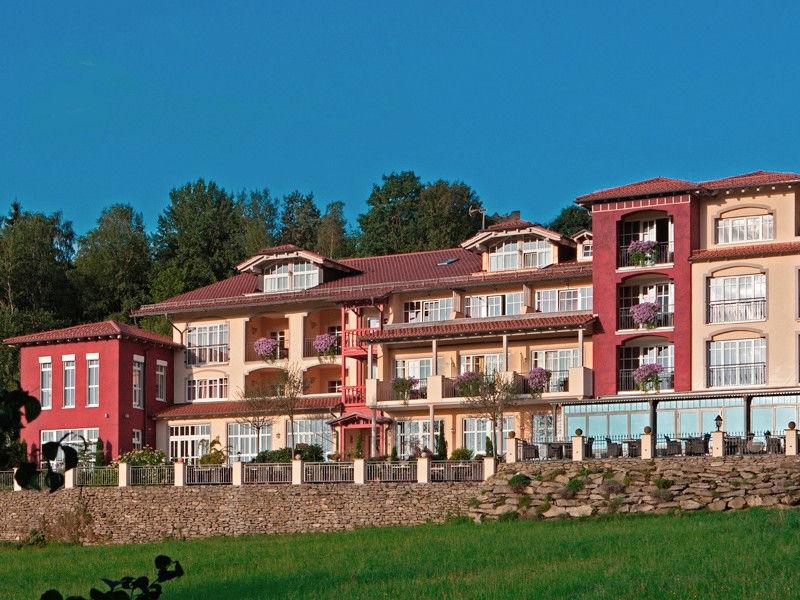Blick auf das Burghotel Sterr in Neunußberg bei Viechtach