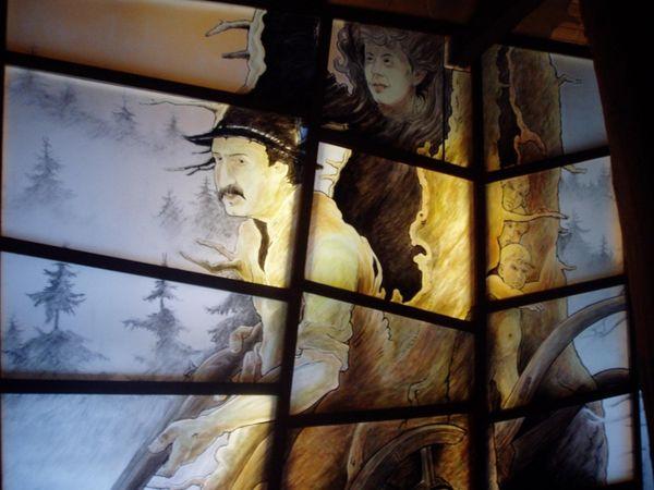 Glaskunstwerk Räuber Heigl in der Gläsernen Scheune in Rauhbühl bei Viechtach