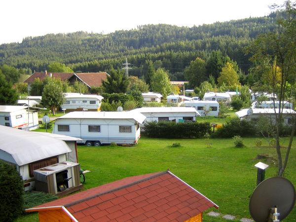 Blick über den KNAUS Campingpark in Viechtach