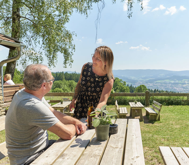 Einkehr in der gemütlichen Kronberghütte im Viechtacher Land