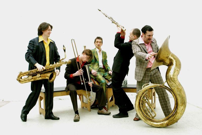 Die Top Dog Brass Band aus dem Dresdner Raum gastierte in Viechtach