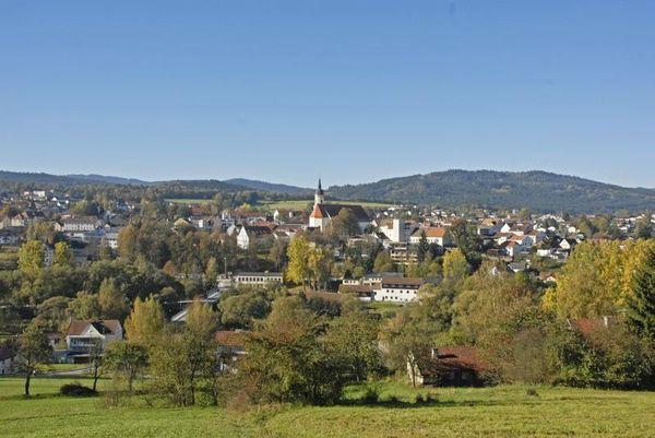 Der staatlich anerkannte Luftkurort Viechtach gehört zu den beliebtesten Ferienorten des Bayerischen Waldes.