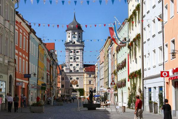 Der Stadtplatz in Vilshofen an der Donau