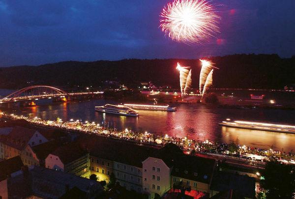 Donau in Flammen in Vilshofen