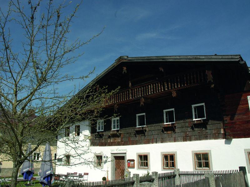Blick auf das Emerenz-Meier-Haus in Schiefweg bei Waldkirchen