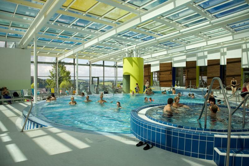Badespaß im Hallenbad im Karoli-Badepark in Waldkirchen
