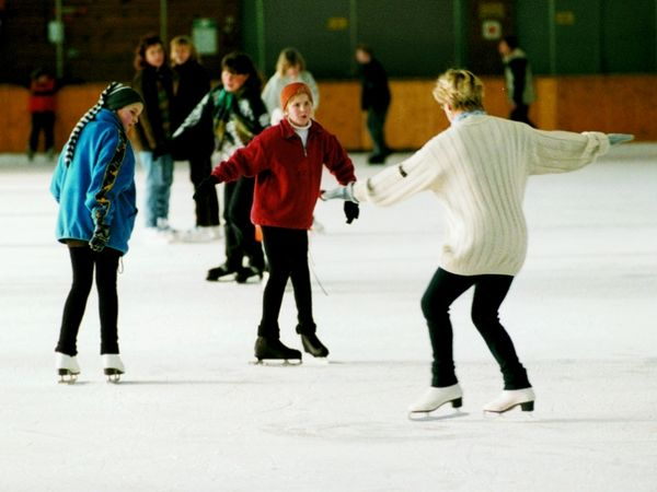Eiskunstlauf-Training in der Karoli-Eissporthalle in Waldkirchen im Bayerischen Wald