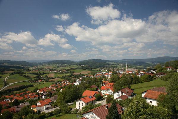 Waldkirchen liegt zwischen der Dreiflüssestadt Passau und dem Nationalpark Bayerischer Wald