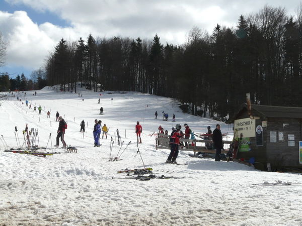 Für Kinder und Skianfänger ist der Skilift Althütte bei Waldmünchen bestens geeignet