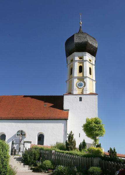 Kirche in Bergen bei Wang