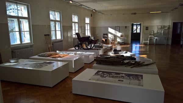 Der ehemalige Schlafsaal dient heute als Ausstellung