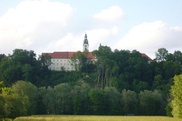 Ehemaliges Kloster und Rokokokirche Attel in Wasserburg am Inn.