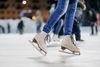 Schlittschuhlaufen auf dem Eisweg Skate am Lake Weesen