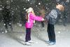 Kinder beim Schlittschuhlaufen Weesen