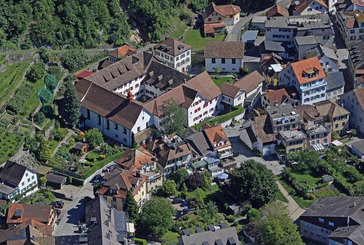 Blick auf Weesen mit Kloster