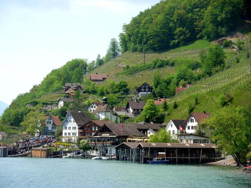 Weesen – Quinten: Wandern zwischen See und Berg