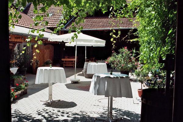 Innenhof Weinhaus Frey
