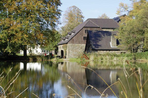 Wendener Hütte und Teich