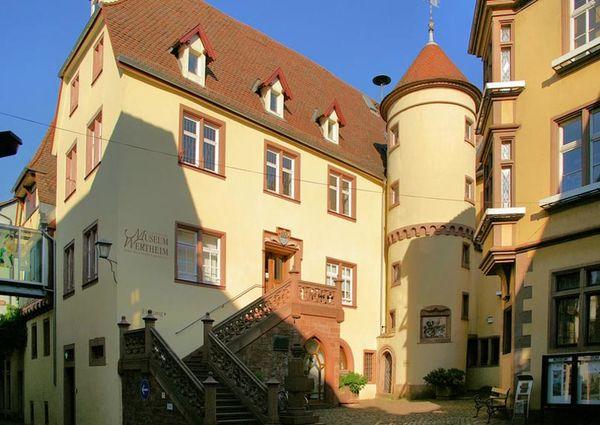 Grafschaftsmuseum Wertheim mit Treppenturm