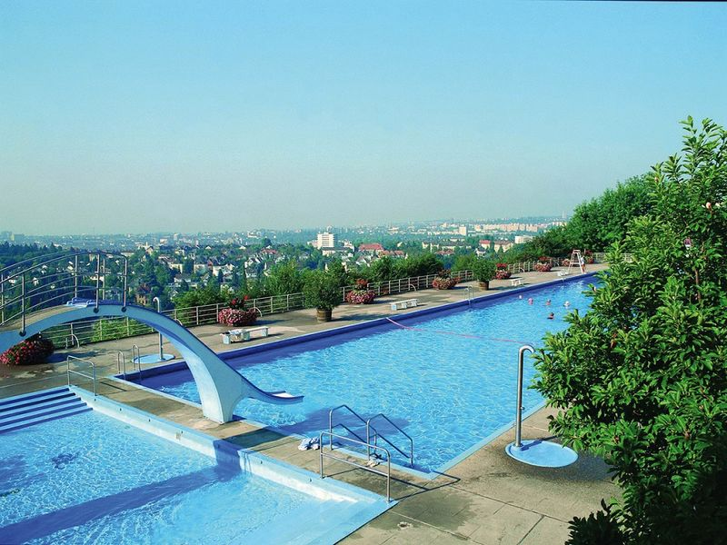 Frankfurt Swimming Pool swimming pools bathing lakes region frankfurt rhein
