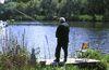 Ruhe und Entspannung beim Angeln am Neuweiher bei Wiesenfelden
