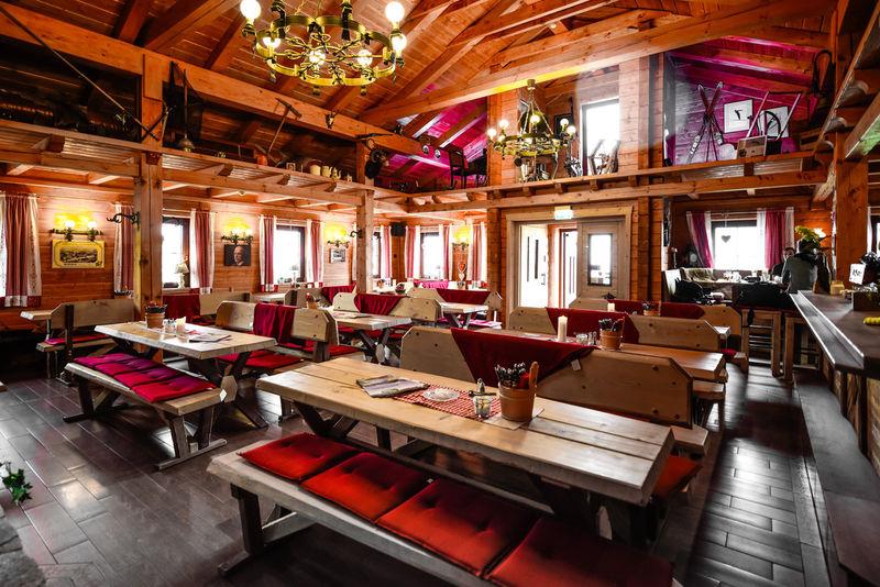 Innenaufnahme Graf Stolberg Hütte
