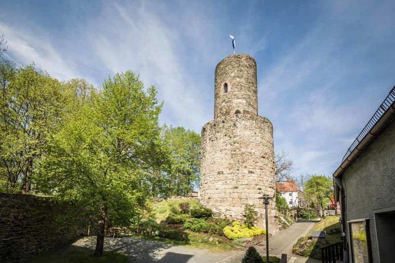 Der Goldsteig an der Burg Neuhaus bei Windischeschenbach.