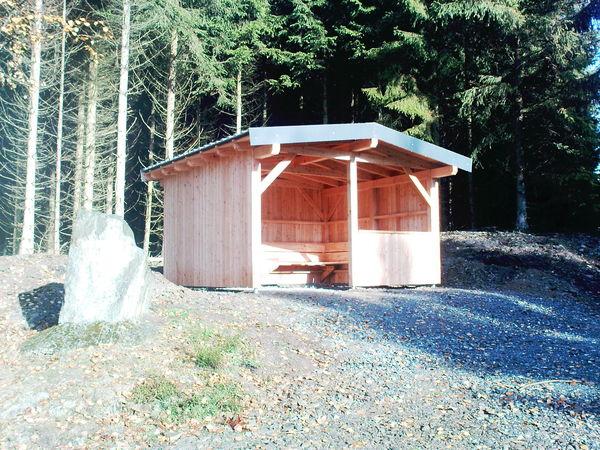 Bietet Schutz zu jeder Jahreszeit: die Schutzhütte Franzosenkreuz