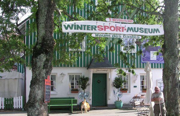 Wintersportmuseum Außenansicht