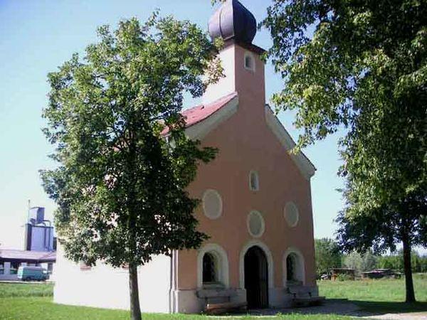 Die Winzerer Aukapelle am Kapellenwanderweg bei Winzer