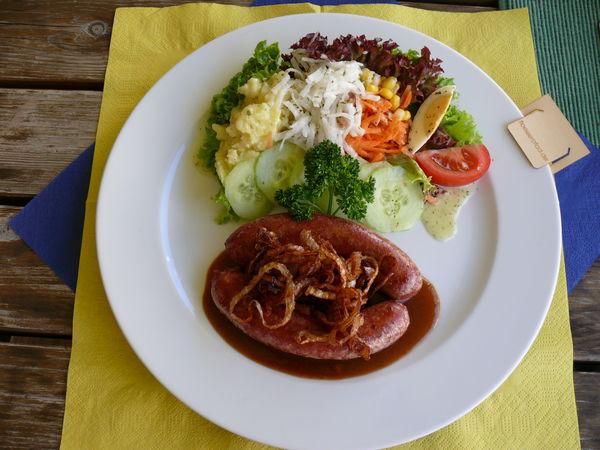 Den Flößerteller gibt es in ausgewählten Restaurants entlang des Flößerpfads
