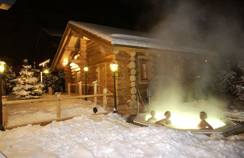 Open-air Jacuzzi in Zermatt's sparkling fresh alpine air - at the Alpenhof Hotel.