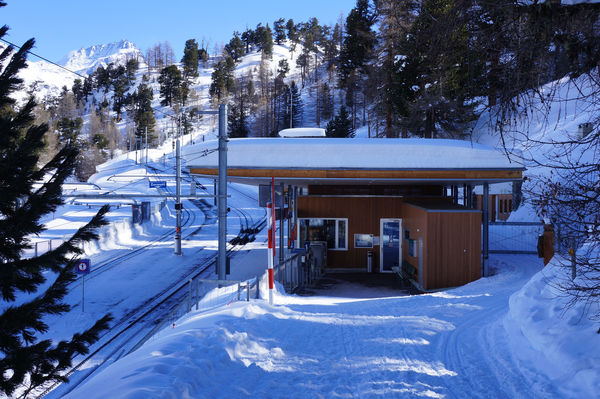 Riffelalp station is the starting point for beautiful winter walks.