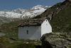 Zermatter Bergwelt: Bethäuschen und Blick Richtung Triftgletscher.