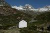 Panorama alpin à Trift, avec petit lieu de culte: Wellenkuppe à l'arrière-plan.