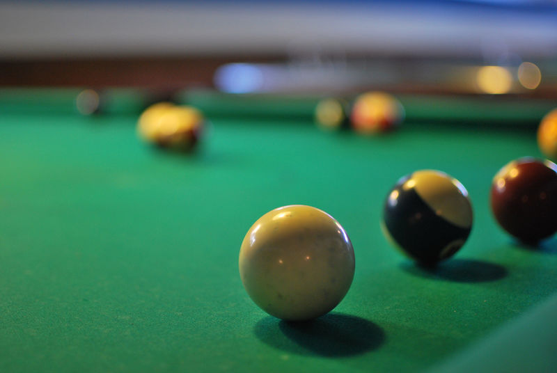 Country Bar, Zermatt: Pool and billiards.