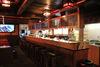 Country Bar, Zermatt: généreux comptoirs de bar, plusieurs écrans pour les retransmissions télévisées.