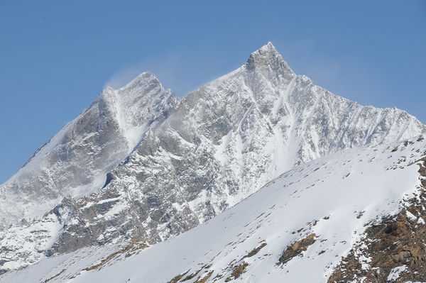 The Dom (double pinnacle, left) is the highest mountain entirely on Swiss territory. On the right, the Täschhorn.