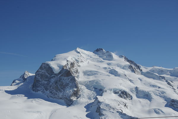 The Monte Rosa massif has seven peaks; the highest is the Dufourspitze (4,634 m).
